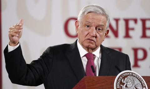 Prezydent Meksyku w ogniu krytyki w związku z lekceważeniem epidemii
