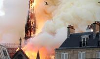 Na Notre Dame płacą drobni darczyńcy, miliarderzy czekają