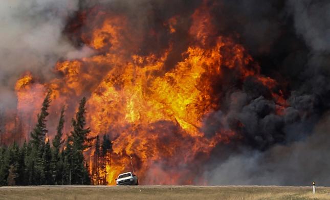 Pożar lasu w Fort McMurray w Kanadzie