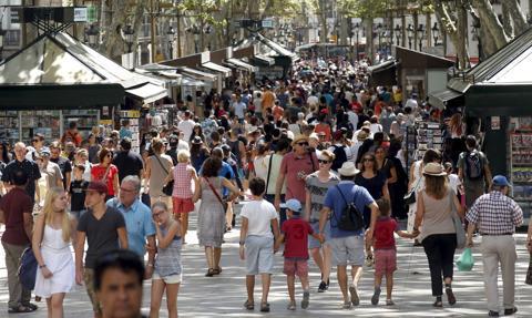 Ruch turystyczny w Barcelonie znów rośnie