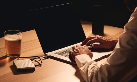 Drink przed laptopem – ale czy na pewno na home office?