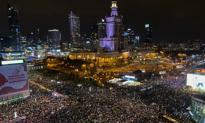 """""""Marsz na Warszawę"""". Tysiące ludzi na ulicach stolicy protestujący ws. decyzji TK"""