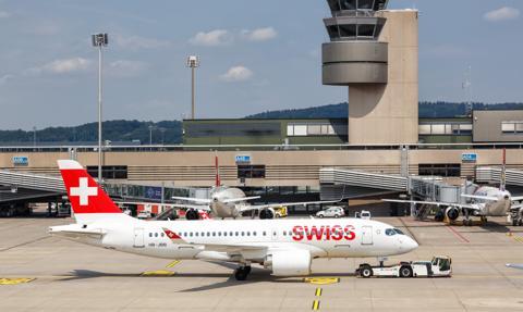 Airbus: Nowy A220 zużywa mniej paliwa i mniej emituje CO2