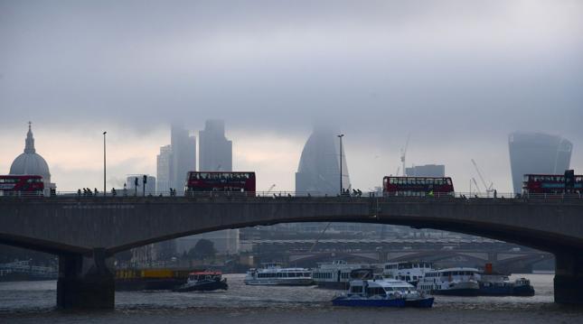 """""""Times"""": 95 proc. nowych pracowników w Wielkiej Brytanii to cudzoziemcy"""