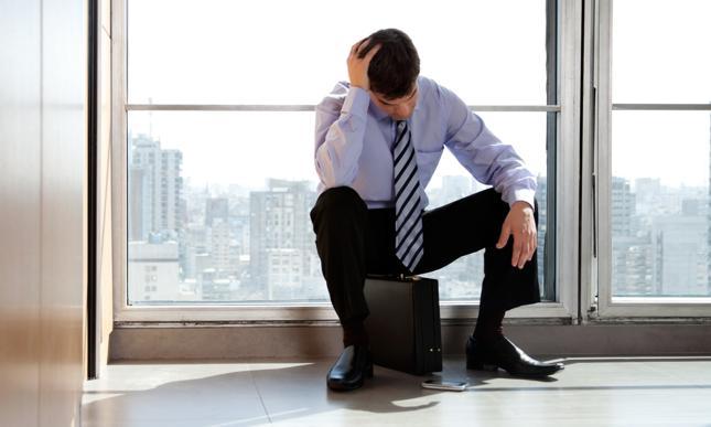 Utrata pracy i kredyt – poradnik dla kredytobiorcy