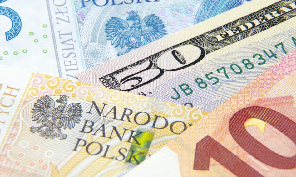 """Kurs euro coraz wyższy. Złoty roztrwonił """"inflacyjne"""" zyski"""