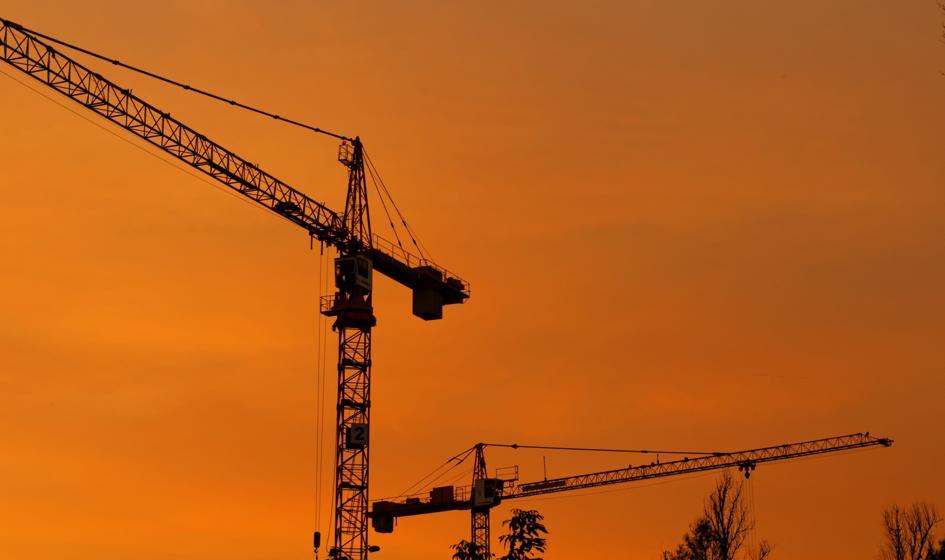 Deweloperzy sprzedają coraz mniej. Mieszkania zbyt drogie?