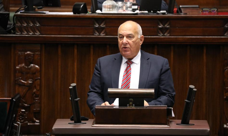 Budżet 2022 w Sejmie. Kościński: Deficyt będzie finansował kolejne inwestycje