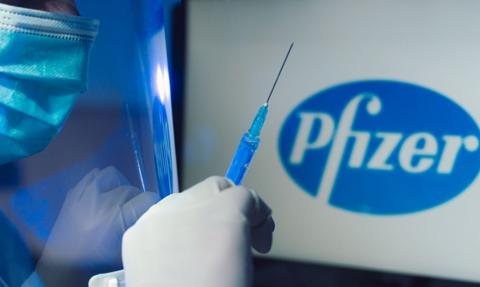 Zmniejszona dostawa szczepionek od Pfizera dotarła do Polski