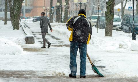 Nawet 1,5 tys. zł kary za śnieg na chodniku