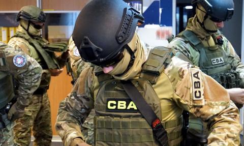 CBA zatrzymało mężczyznę podejrzewanego o wyłudzenie zwrotu prawie 10 mln zł VAT