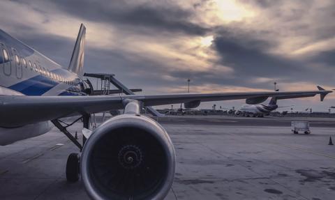 Zakaz lotów do Polski złagodzony. Rząd przyjął rozporządzenie